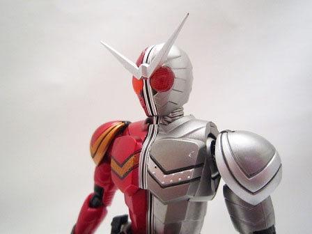 S.H.フィギュアーツ 仮面ライダーW ヒートメタル