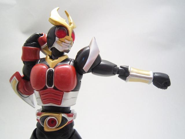S.H.フィギュアーツ 仮面ライダーアギト フレイムフォーム