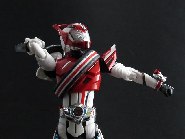 S.H.フィギュアーツ 仮面ライダードライブ タイプデッドヒート レビュー