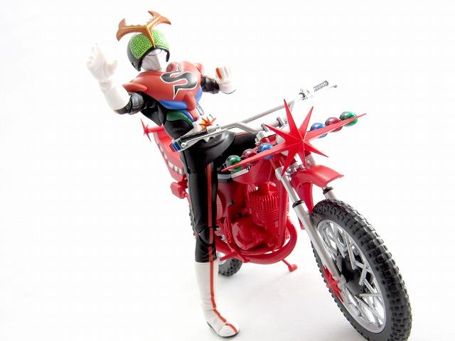 S.H.フィギュアーツ 仮面ライダーストロンガー&カブトローセット レビュー