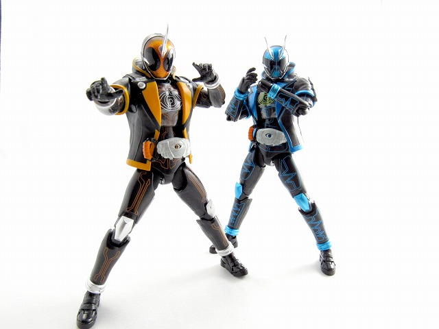 S.H.フィギュアーツ 仮面ライダースペクター レビュー