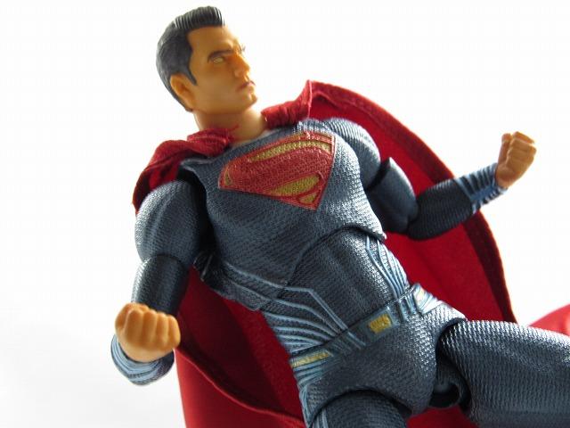 MAFEX マフェックス スーパーマン(バットマンVSスーパーマン) レビュー
