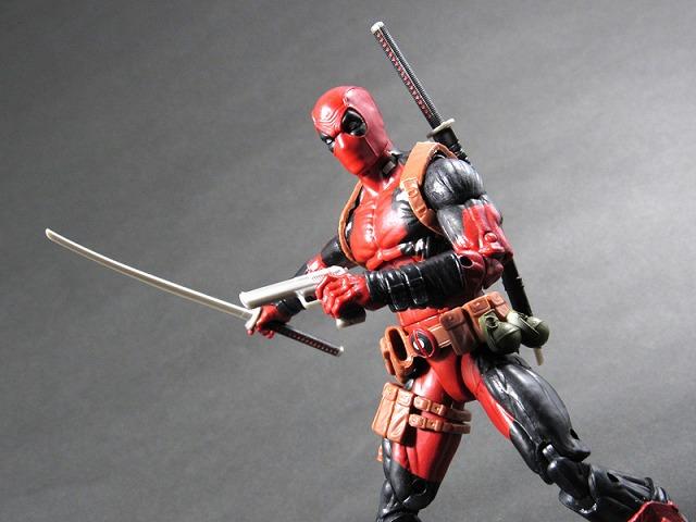 マーベル・レジェンド MARVEL LEGENDS デッドプール(X-MEN ジャガーノートシリーズ) レビュー アクション