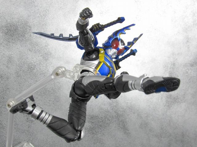 S.H.フィギュアーツ 仮面ライダーガタック ライダーフォーム 真骨彫製法  レビュー