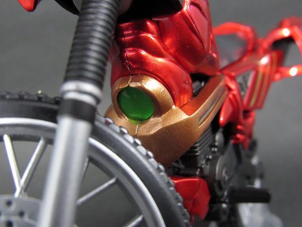 S.H.フィギュアーツ ジャングレイダー 仮面ライダーアマゾンズ レビュー