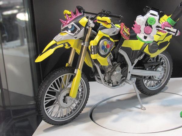 AKIBAショールーム レポート 仮面ライダーレーザー スカル 真骨彫 モグラアマゾン レビュー