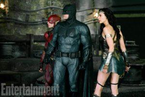 『ジャスティスリーグ』から新たなスチル写真が公開!バットマン、ワンダーウーマン、フラッシュの3人が並び立つ!
