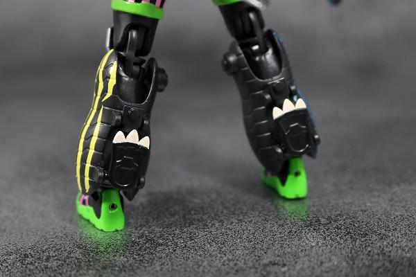 S.H.フィギュアーツ 仮面ライダーエグゼイド ハンターアクションゲーマーレベル5(フルドラゴン) レビュー