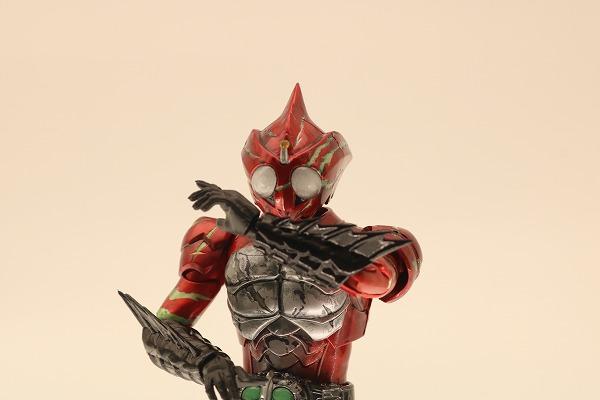 S.H.フィギュアーツ 仮面ライダーアマゾンアルファ(2nd season Ver.)