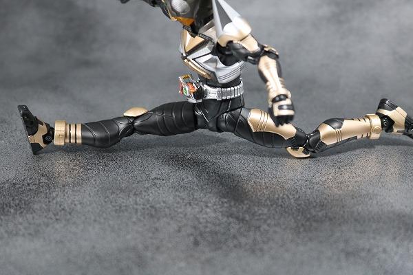 S.H.フィギュアーツ 仮面ライダーパンチホッパー 真骨彫製法 レビュー