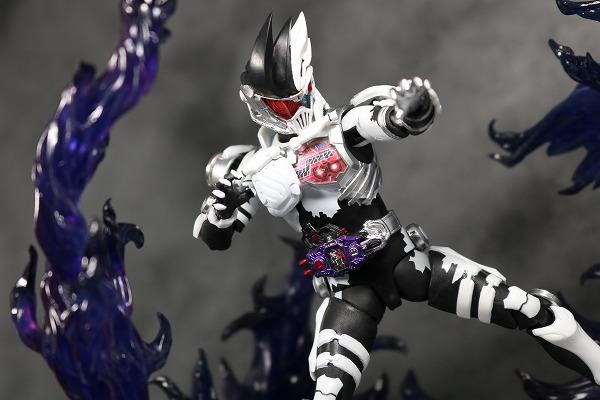 S.H.フィギュアーツ 仮面ライダーゲンム ゾンビゲーマー レベルX レビュー