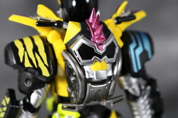 S.H.フィギュアーツ 仮面ライダーレーザー ハンターバイクゲーマ― レベル5 レビュー 全身