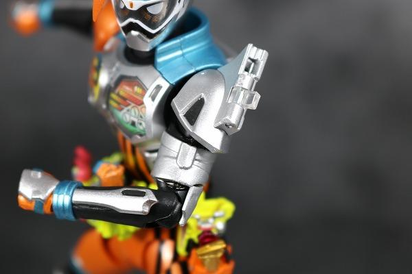 S.H.フィギュアーツ 仮面ライダーエグゼイド ダブルアクションゲーマー レベルXX レビュー 付属品