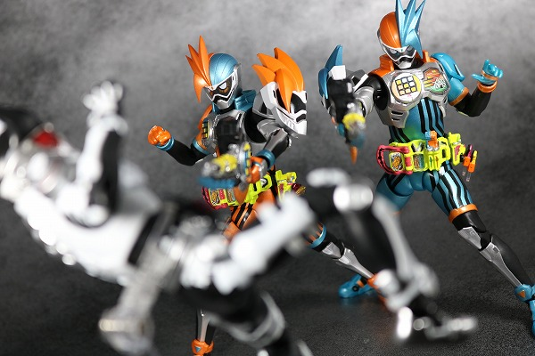 S.H.フィギュアーツ 仮面ライダーエグゼイド ダブルアクションゲーマー レベルXX レビュー アクション