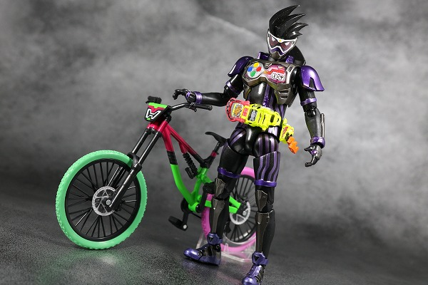 S.H.フィギュアーツ 仮面ライダーゲンム アクションゲーマー レベル2 スポーツゲーマ レビュー