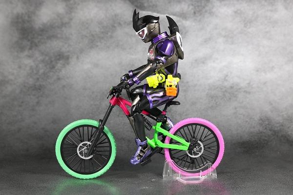S.H.フィギュアーツ 仮面ライダーゲンム アクションゲーマー レベル2 スポーツゲーマ レビュー 付属品