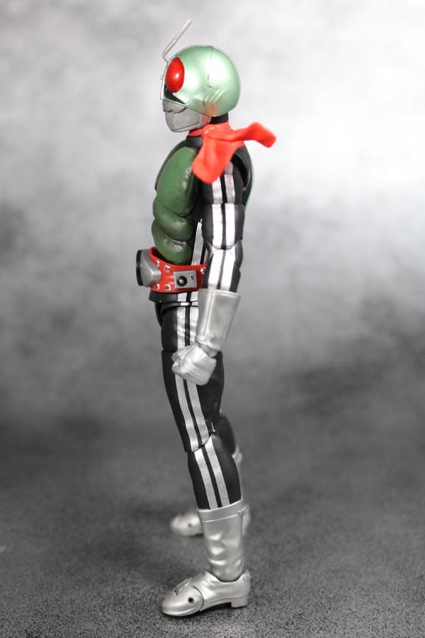 S.H.フィギュアーツ 仮面ライダー新1号 真骨彫製法  レビュー 全身