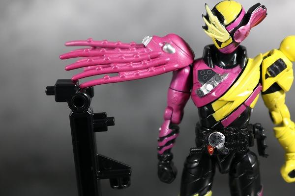 創動 仮面ライダービルド BUILD4 オクトパスライト 可動範囲 レビュー
