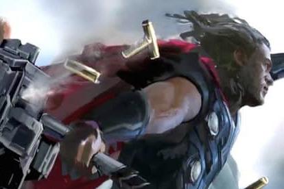 【画像追加】『インフィニティウォー』、ソーにムジョルニアに代る新たな武器が登場か?