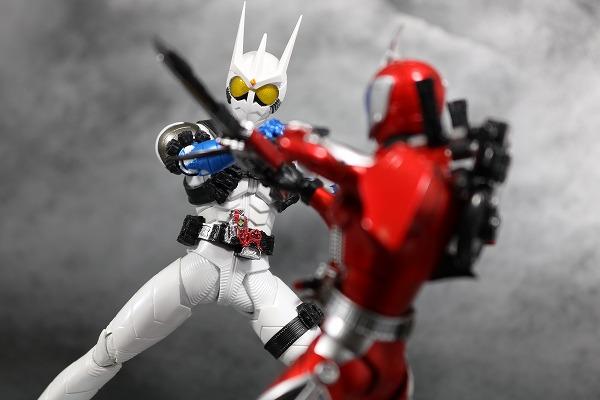 S.H.フィギュアーツ 仮面ライダーエターナル 真骨彫製法 レビュー アクション