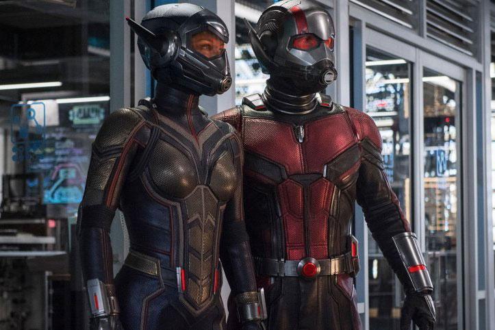 『アントマン&ワスプ』の新スーツで並び立つスチル写真公開!胸には虫の顔も?