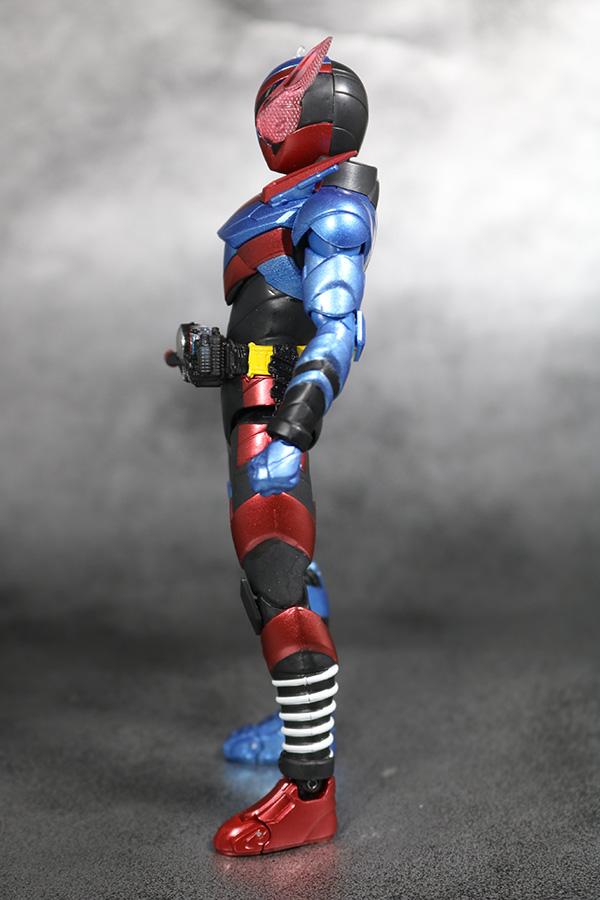 S.H.フィギュアーツ 仮面ライダービルド ラビットタンク フォーム レビュー 全身