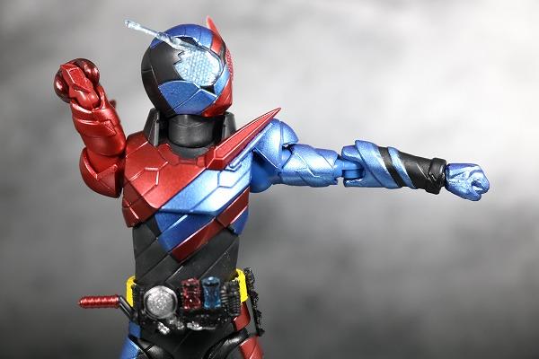 S.H.フィギュアーツ 仮面ライダービルド ラビットタンク フォーム レビュー 可動