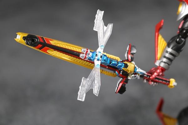 S.H.フィギュアーツ 仮面ライダーカブト ハイパーフォーム 真骨彫製法 レビュー 付属品