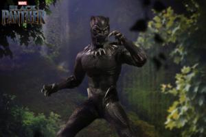 【予約開始】MEZCO新作!単独映画版『ブラックパンサー』が10月発売!ティ・チャラの素顔頭部も付属!
