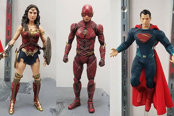MEZCO新作!『ジャスティスリーグ』からフラッシュ、ワンダーウーマン、スーパーマンが登場!