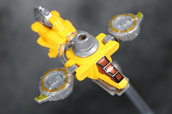 ミニプラ ルパンカイザー VSビークル合体シリーズ01 イエローダイヤルファイター アクション レビュー