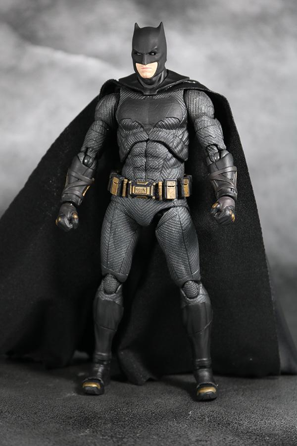 MAFEX バットマン ジャスティスリーグ レビュー  レビュー 全身