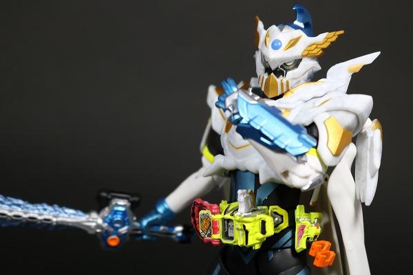 S.H.フィギュアーツ 仮面ライダーブレイブ レガシーゲーマー レベル100 レビュー アクション