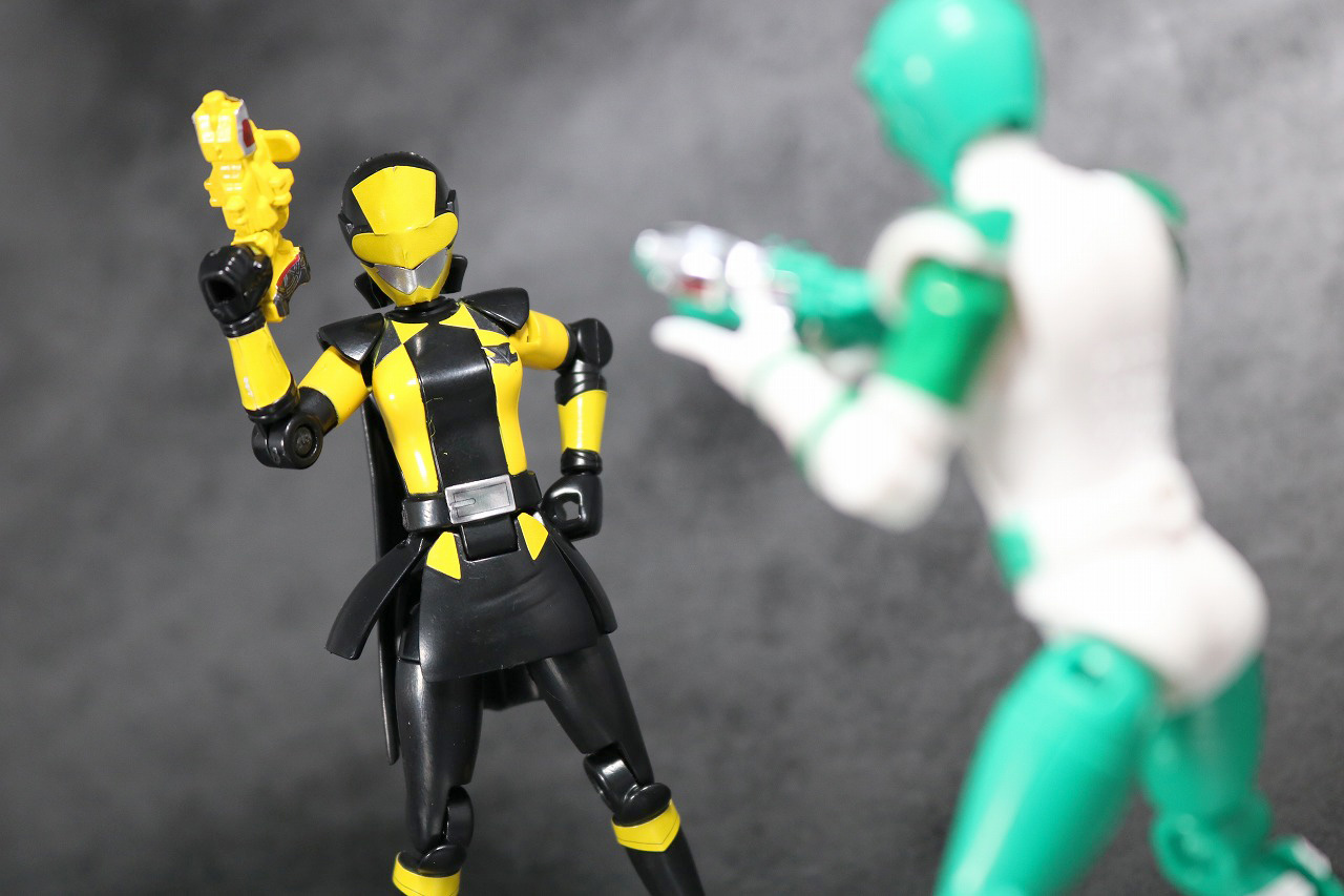 勇動 快盗戦隊ルパンレンジャーVS警察戦隊パトレンジャー アクション ルパンイエロー