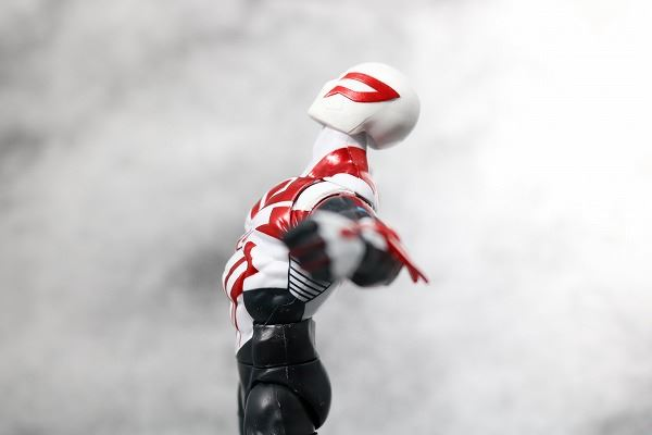 マーベルレジェンド スパイダーマン2099 オールニュー・オールディファレント・マーベル レビュー 可動範囲