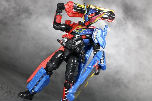 創動 仮面ライダービルド BUILD8 Feat.装動 タンクタンクフォーム アクション レビュー