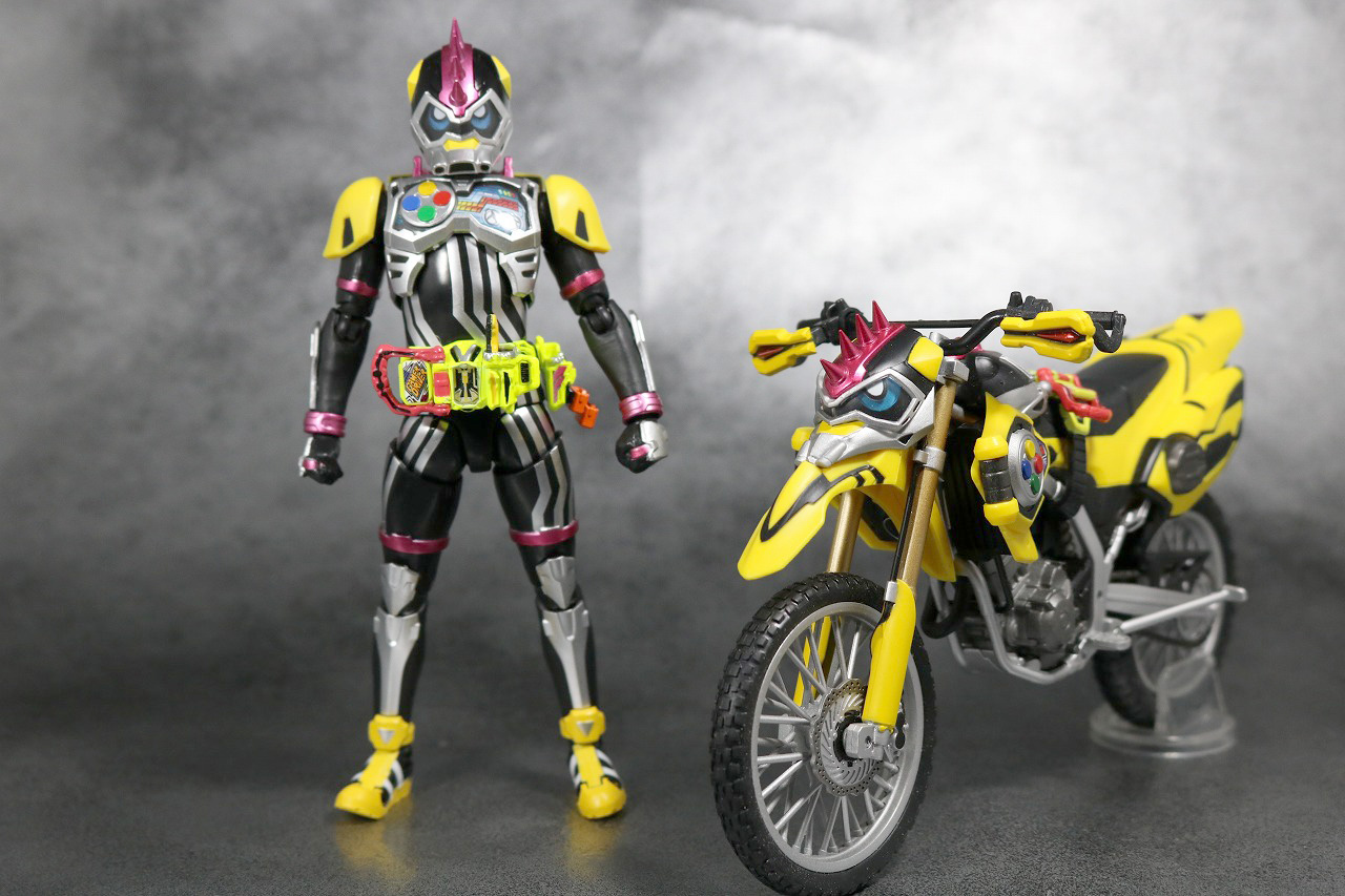 S.H.フィギュアーツ 仮面ライダーレーザーターボ バイクゲーマー レベル0 レビュー 全身