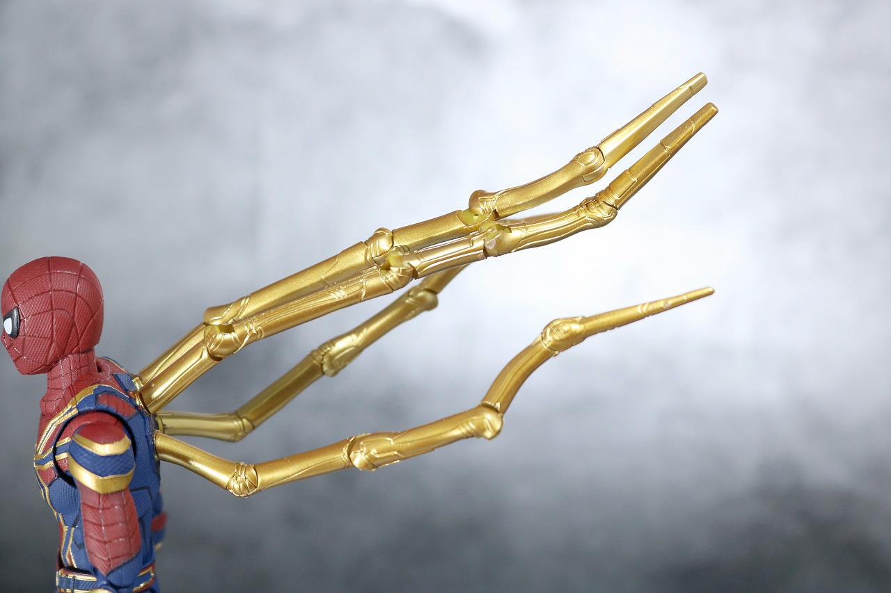 S.H.フィギュアーツ アイアン スパイダーマン アベンジャーズ インフィニティウォー レビュー 可動範囲
