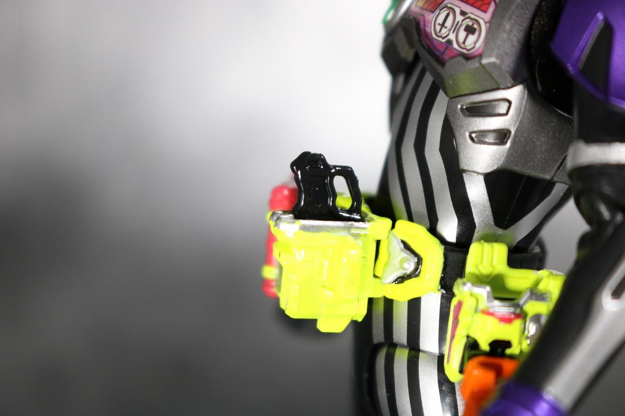 S.H.フィギュアーツ 仮面ライダーゲンム アクションゲーマー レベル0 レビュー 全身