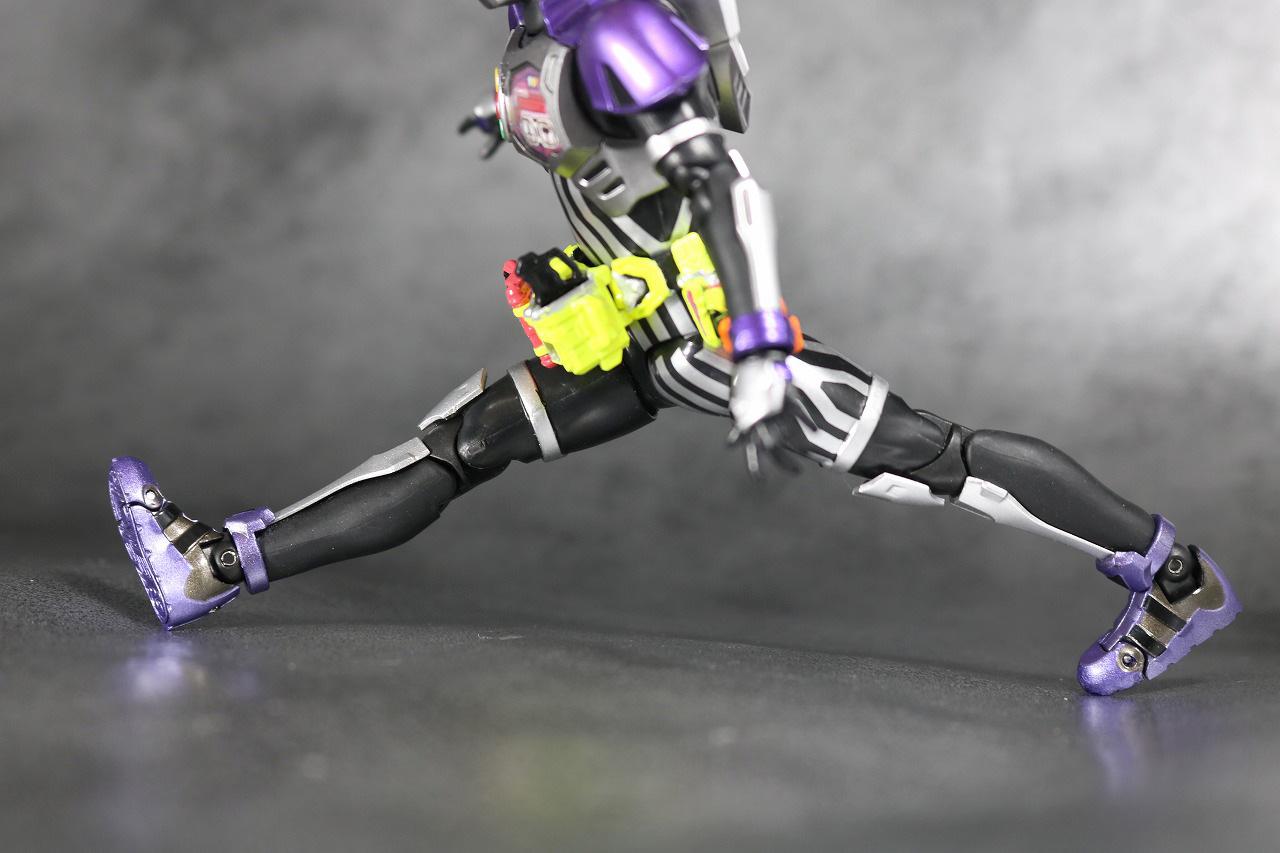 S.H.フィギュアーツ 仮面ライダーゲンム アクションゲーマー レベル0 レビュー 可動範囲
