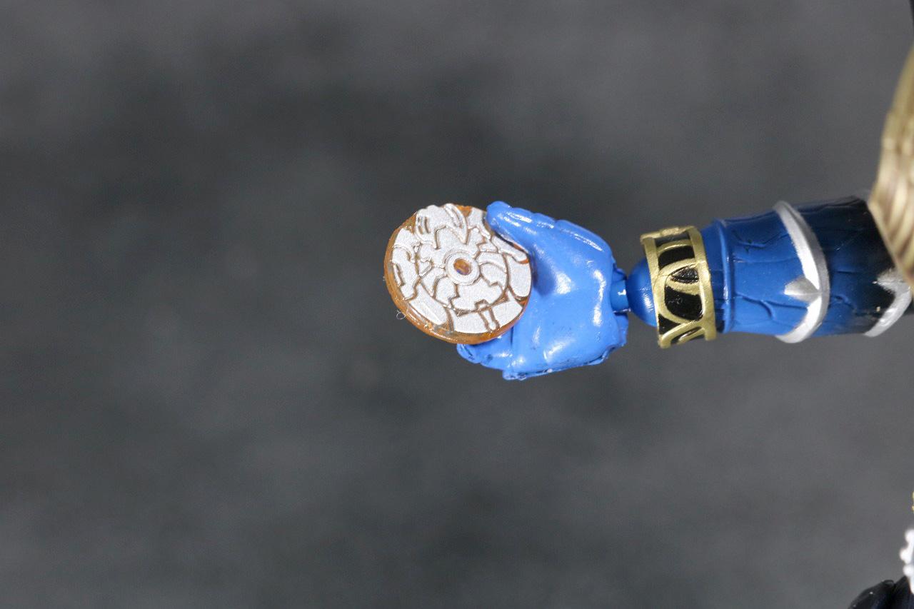 S.H.フィギュアーツ 仮面ライダー威吹鬼 真骨彫製法 レビュー 付属品 ディスクアニマル 黄赤獅子 キアカシシ