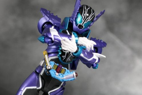 S.H.フィギュアーツ 仮面ライダーローグ レビュー