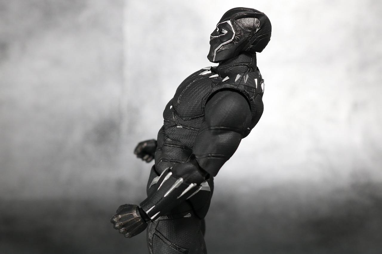 S.H.フィギュアーツ ブラックパンサー アベンジャーズ/インフィニティウォー レビュー 可動範囲