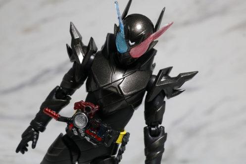 S.H.フィギュアーツ 仮面ライダービルド ラビットタンクハザードフォーム レビュー