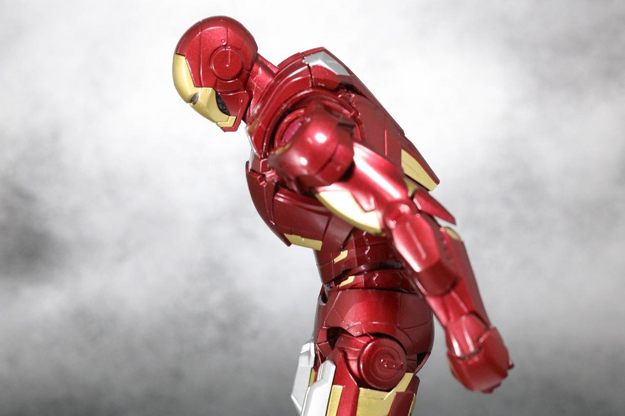 S.H.フィギュアーツ アイアンマン マーク7 レビュー アベンジャーズ 可動範囲
