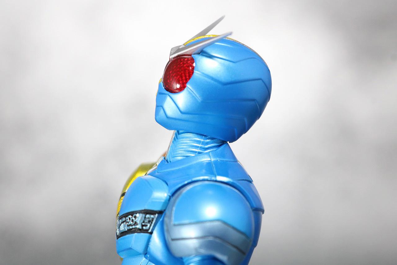 S.H.フィギュアーツ 仮面ライダーW ルナトリガー 真骨彫製法 レビュー 可動範囲