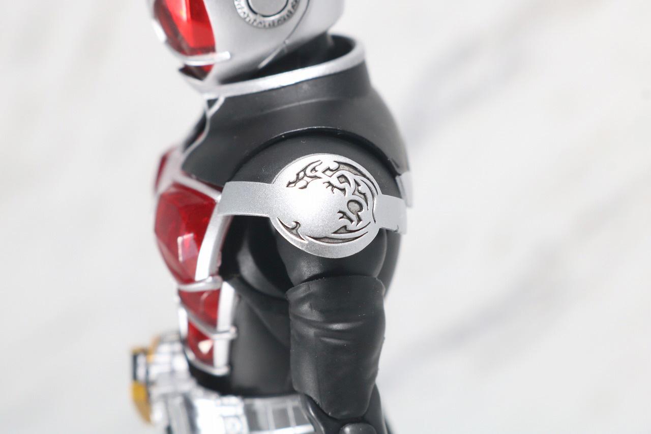 S.H.フィギュアーツ 仮面ライダーウィザード フレイムスタイル 真骨彫製法 レビュー 全身