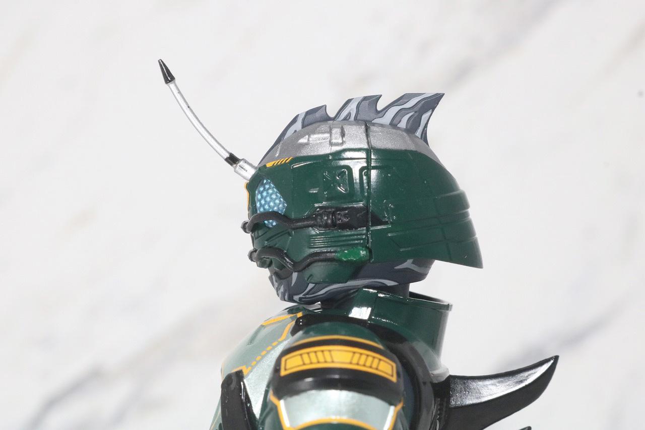 S.H.フィギュアーツ 仮面ライダーアマゾンネオアルファ レビュー 全身
