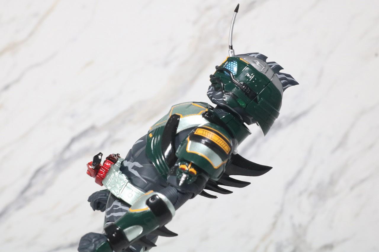 S.H.フィギュアーツ 仮面ライダーアマゾンネオアルファ レビュー 可動範囲