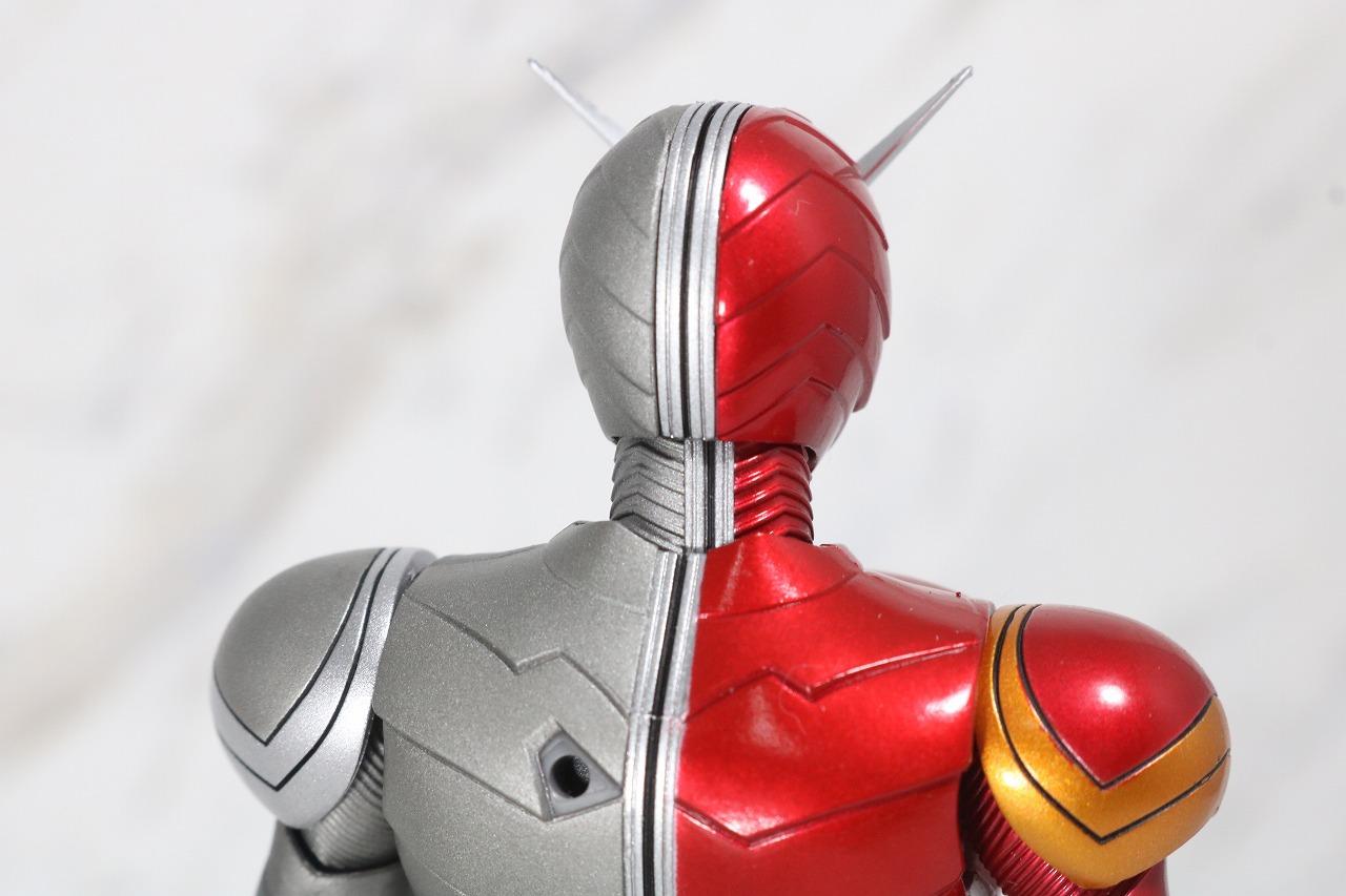 S.H.フィギュアーツ 仮面ライダーW ヒートメタル 真骨彫製法 レビュー 全身